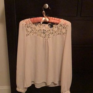 Cute Top With Lace Detail